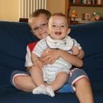 11 Giugno 2009, Matteo sta crescendo! Ora ha 7 mesi... e, in braccio ad Andrea, sembra un gigante.